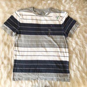 Men's Tommy Hilfiger fall basics shirt size L 👕